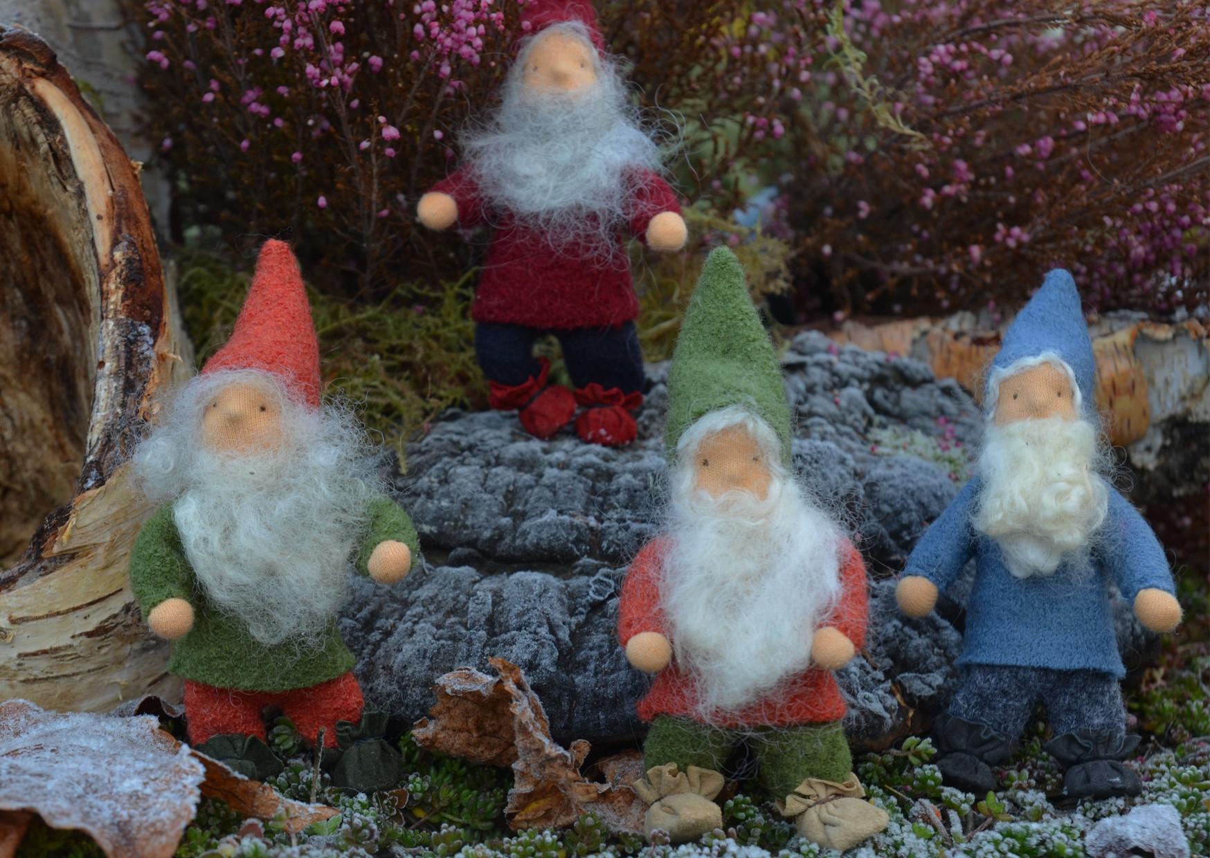 Zwergengruppe im Frost